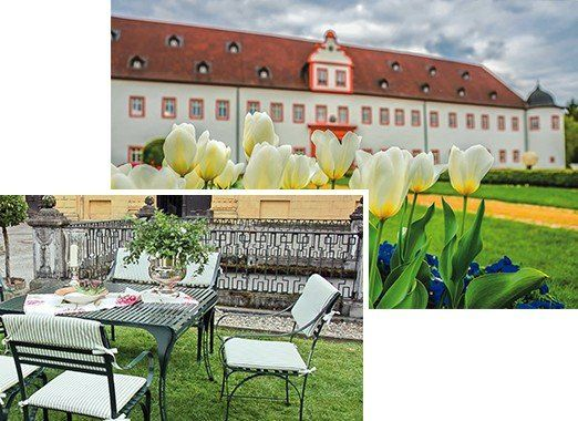 schönes, wetterfestes Gartenset mit elegantem Gartenstuhl Cannes aus Edelstahl, in Hof vor einem Schloss