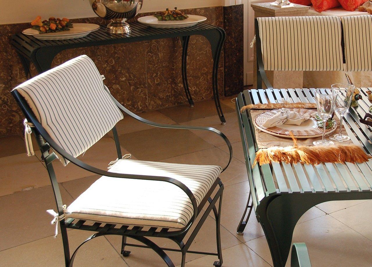 Sitzpolster mit Kaltschaumfüllung auf Stuhl Cannes