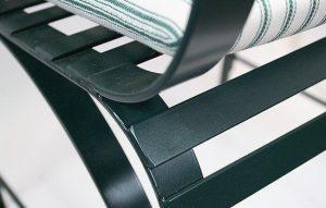 hochwertige und dauerhafte Qualität, detailierte Verarbeitung aus pulverbeschichtetem Niro-Stahl mit glatter Oberfläche, unverwüstlich