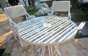 Runder Edelstahl Gartentisch - Hochwertige Edelstahl Gartentisch - Gartentische mit Tischplatten aus Sicherheitsglas, Sandstein, Schiefer oder Marmor