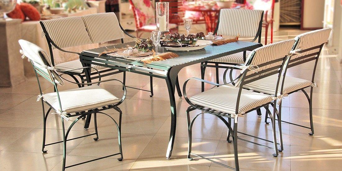 elegante Sitzgruppe Cannes und Provence im Wohnbereich aus pulverbeschichtetem Edelstahl